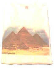Tshirt with pyramids picture